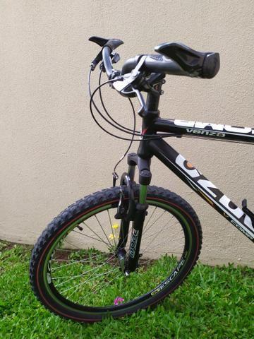 Bicicleta aro 26 com 24 marchas