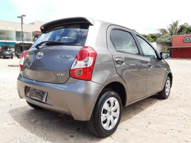 Toyota Etios XS 1.5 Automático 16/17 - Troco e Financio!! - Foto 5