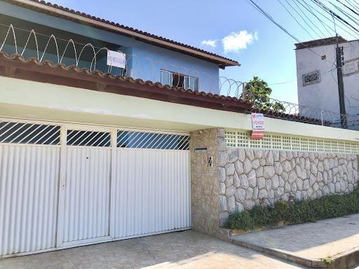 Casa Duplex com 5 quartos à venda, próximo à Av. José Leon
