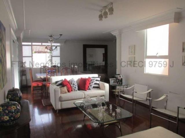 Casa Excelente de Esquina com Terreno 720m² na Rua da Paz - Foto 7