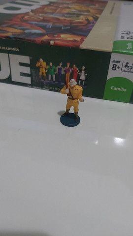 CLUE - Hasbro - Miniatura Cel. Mustarda