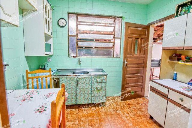 Excelente Casa 4 dormitórios Bairro Vila Jardim, Porto Alegre! - Foto 8