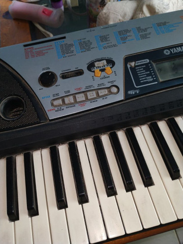 Teclado Eletrônico Yamaha - Foto 2