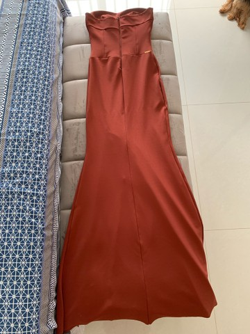 Vestido de festa longo com fenda lateral - Foto 2