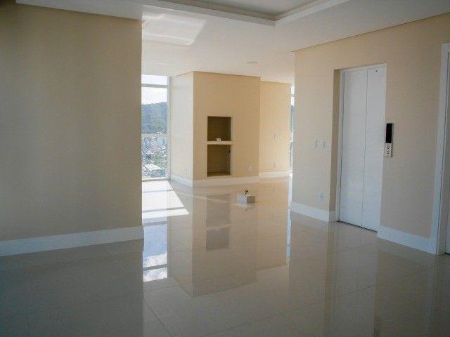Apartamento de Alto Padrão na Avenida Brasil! 4 Dormitórios (sendo 2 Suítes)- 2 Vagas  - Foto 6