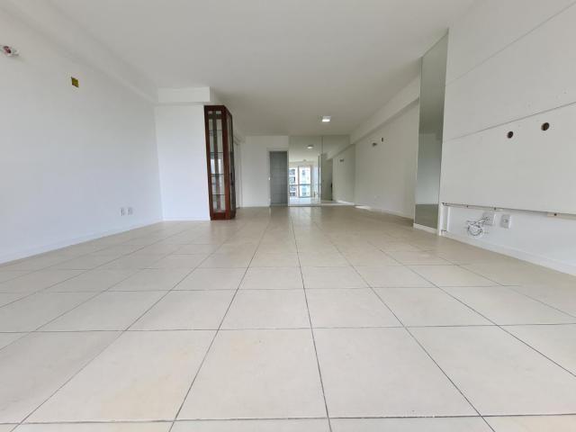 Apartamento para Venda em Rio de Janeiro, Jacarepaguá, 3 dormitórios, 3 suítes, 4 banheiro - Foto 3