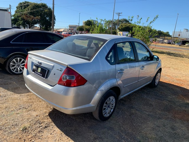 Venda Fiesta sedan 2008 1.6  - Foto 4