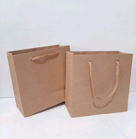 Trabalho com sacolas de papel Kraft e ofset branca  - Foto 5