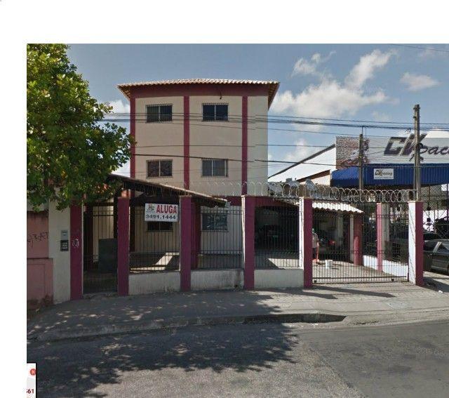 Benfica Apto com 02 Qtos, Sala, WC, Cozinha, 1 vaga para carro.(Cód.613)
