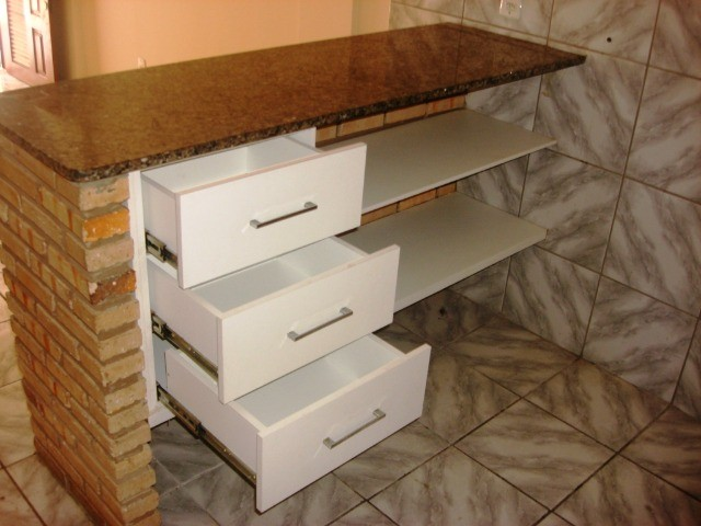 Benfica Apto com 02 Qtos, Sala, WC, Cozinha, 1 vaga para carro.(Cód.613) - Foto 3