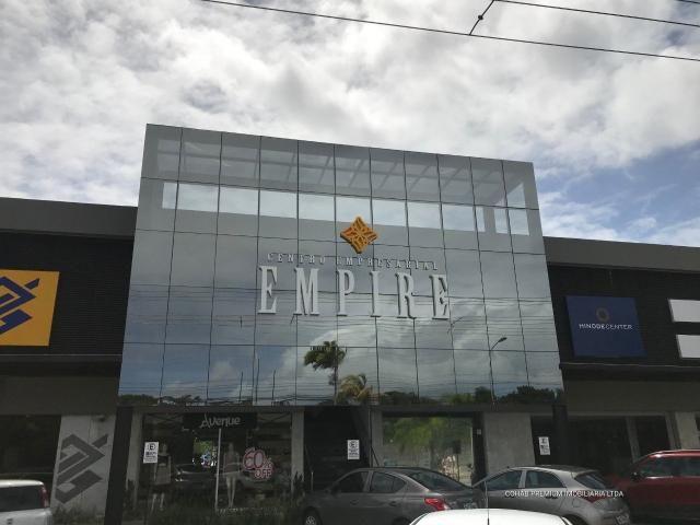 Loja no centro empresarial empire, bairro farolândia