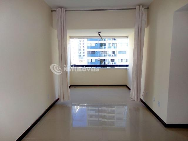 Apartamento 3 Quartos com Garagem para Aluguel no Caminho das Árvores (641384)