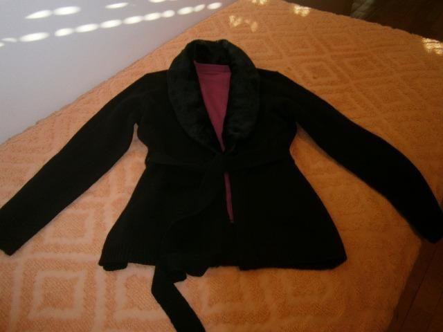 Casaco de malha de tricô com gola de pele removível