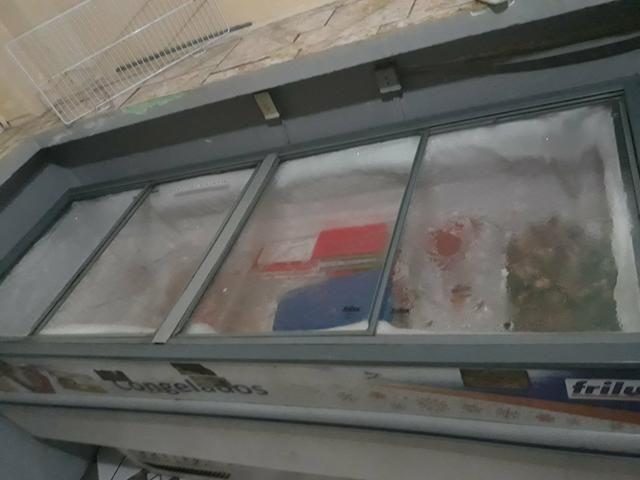 Vendo freezer ilha com tampas de vidro