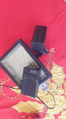 Iluminador de led com bateria e carregador para filmadoras e dslr - Foto 5