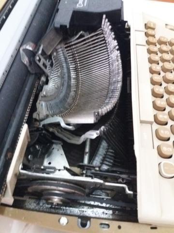 Maquina de escrever elétrica - Smith - Corona Coronet Cartridge 12 - Foto 4
