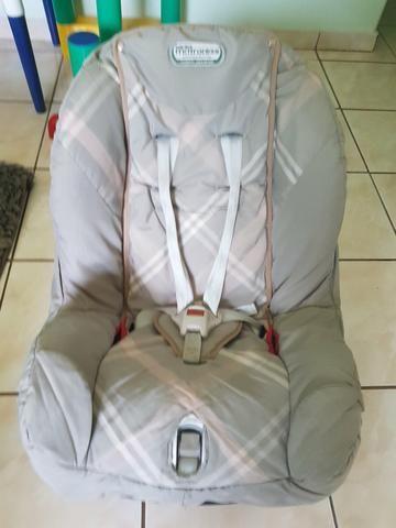 Caderinha de bebê para carro