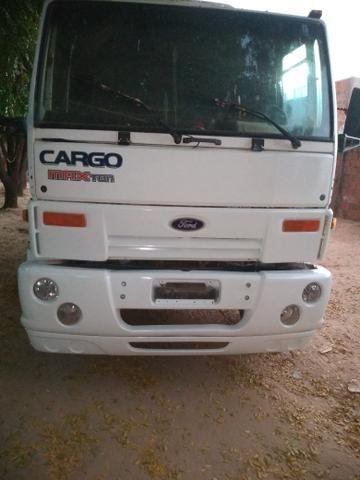 Vende-se este caminhão, aceitamos carro e uma parte em dinheiro - Foto 3