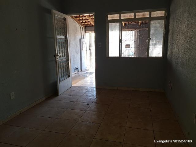 Urgente Linda Casa de 3 Quartos Escriturada + Barraco de Fundo - Foto 10