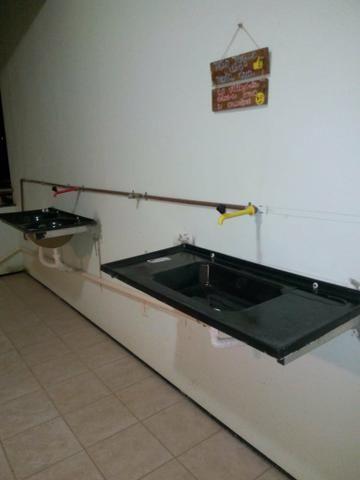Suíte mobiliada no calhau com água e luz - Foto 5