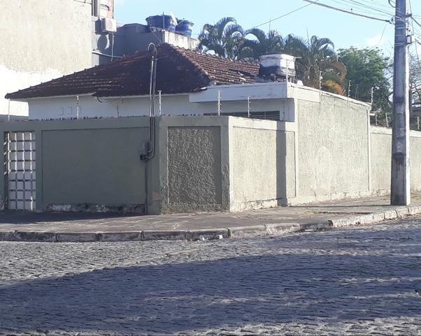 Casa 3 quartos no Cordeiro, rua calçada