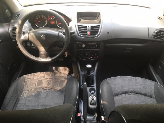 Peugeot 207 Hatch XR 1.4 8V (flex) 4p 2009 - Foto 2