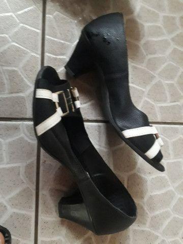 Vendo sapatos bons n 34 36 38 39 40 - Foto 5