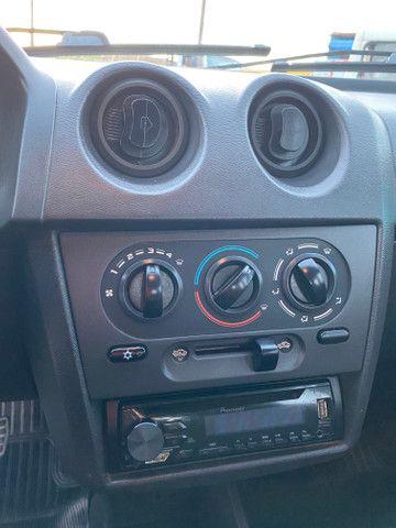 Celta 2011 motor 1.0 completo - direção carro extra dos extras!! - Foto 14