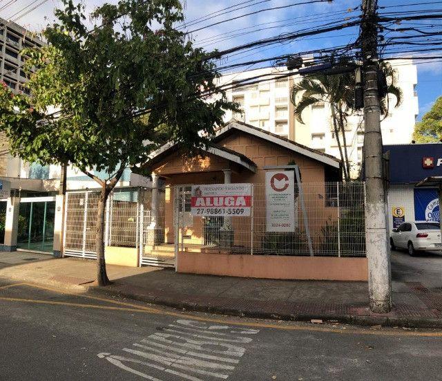 Oportunidade! Alugo Imóvel Comercial em Avenida com 250m² e 4 vagas garagem - R$12.000