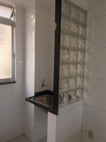 Aluga se Ótimo Apartamento 2 Quartos na Av. Carlos Gomes - Foto 6