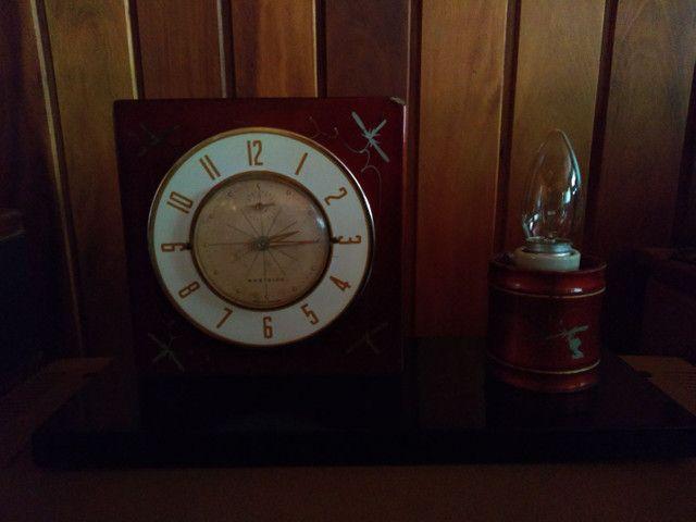 Relógio de cabeceira anos 30 funcionando !!! - Foto 2