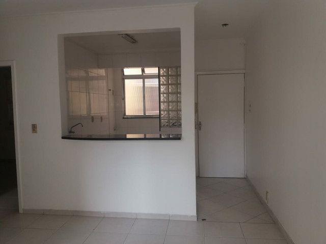 Aluga se Ótimo Apartamento 2 Quartos na Av. Carlos Gomes - Foto 14