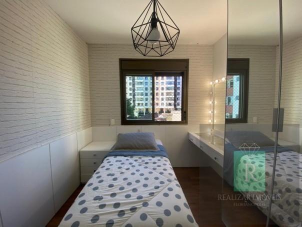 Ótimo apartamento com 03 dormitórios no bairro Balneário - Foto 18
