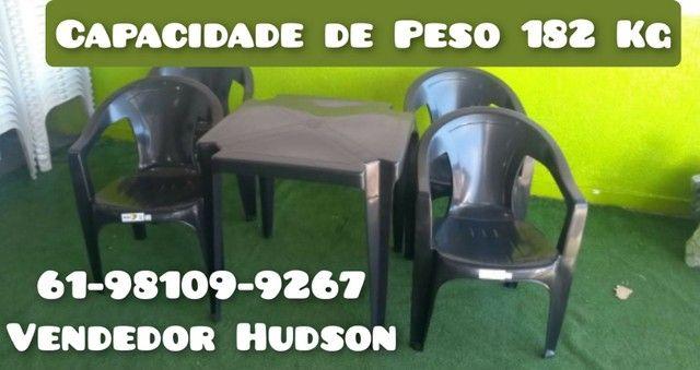 Mesas e Cadeiras de Plástico Poltrona Extra Forte