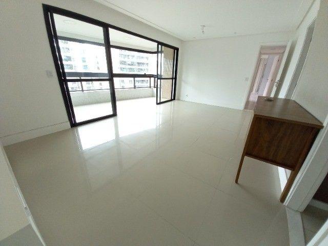 Alugo apartamento 3 quartos no Alphaville - Foto 2