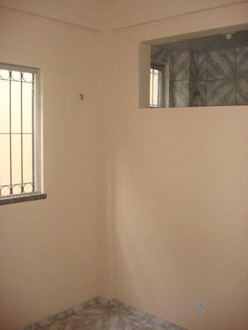 Benfica Apto com 02 Qtos, Sala, WC, Cozinha, 1 vaga para carro.(Cód.613) - Foto 10
