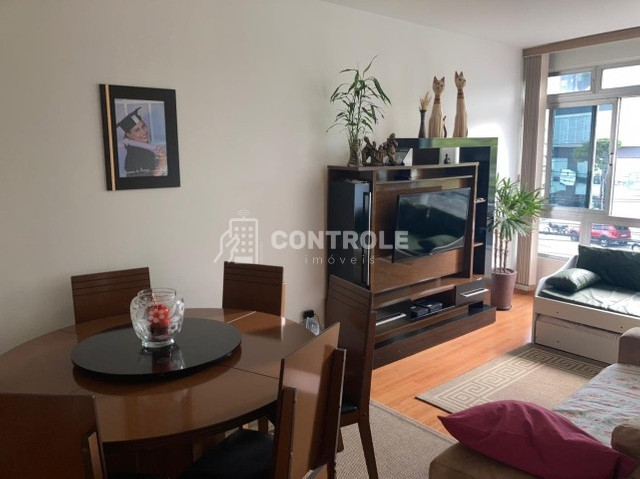 (DC) Amplo apartamento 2 dormitórios, totalmente reformado, no coração do Bairro Estreito - Foto 4