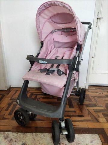 Carrinho de bebê rosa (usado)