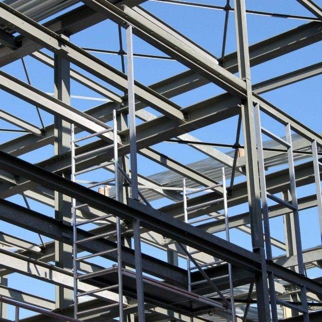 Construcao de estruturas no metalon