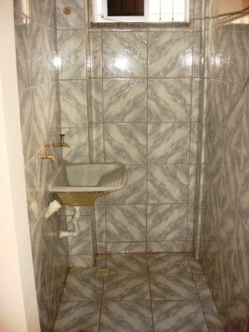 Benfica Apto com 02 Qtos, Sala, WC, Cozinha, 1 vaga para carro.(Cód.613) - Foto 12