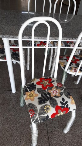 Mesa de Granito com 4 cadeiras - Foto 4