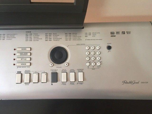 Yamaha Piano Digital DGX-520 - Completo - Foto 4