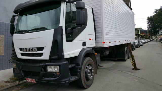 IVECO TECTOR TRUCK