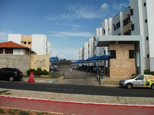 Apartamento todo mobiliado com excelente Localização - Condomínio Brisa do Leste