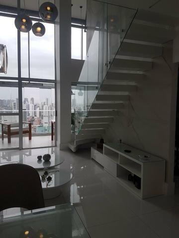 Excelente apartamento duplex itaigara