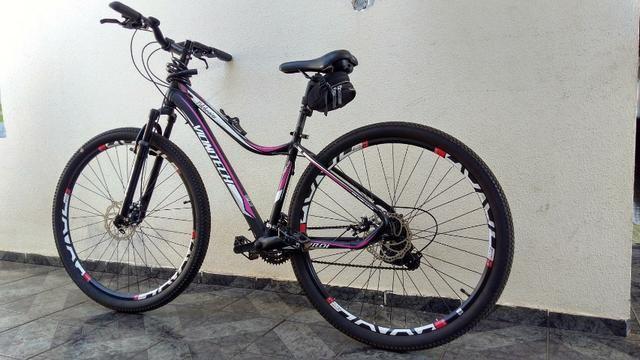 Mountain bike Aro 29 freio a Disco Seminovo