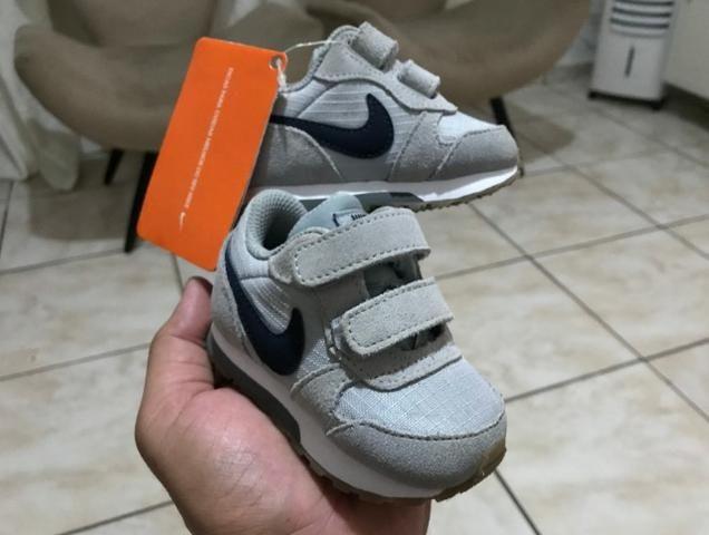 Tênis Infantil Nike MD Runner 2 PE Velcro TDV - Cinza Original e Novo Tam: 17