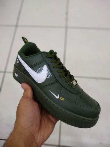 Nike air force Lv8 verde