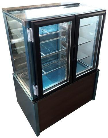 Balcão refrigerado confeitaria SelfService Sob Medida