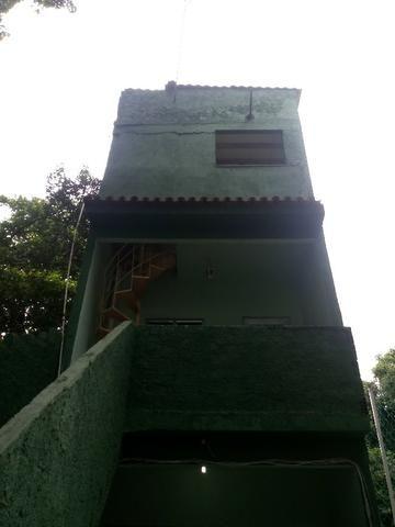 Casa 2qts - Terraço - Desocupada - Local excelente